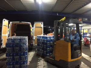Ravitaillement en eau grâce a notre partenaire METRO BORDEAUX LAC