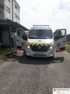 Covid-19 transport en ambulance